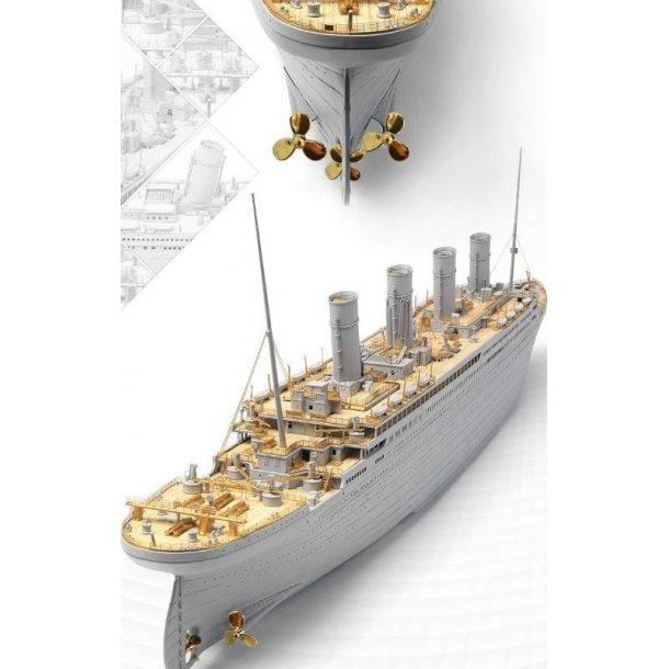 Trædæk og fotoæts til Trumpeter Titanic, skala 1/200